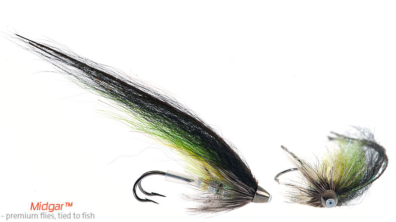 Midgar Ellila has a nice contrast between the yellow, the lime green and the grizzly hackle to the black overwing. This fly is among many regarded as the best fly ever made for fresh salmon juste entered the river. A good fly that can be used while it is raining, on overcast days, or in bright sun. Delivered in size 57, 69, 77, 99 and 115 mm. You just need some of this remarkable fly!